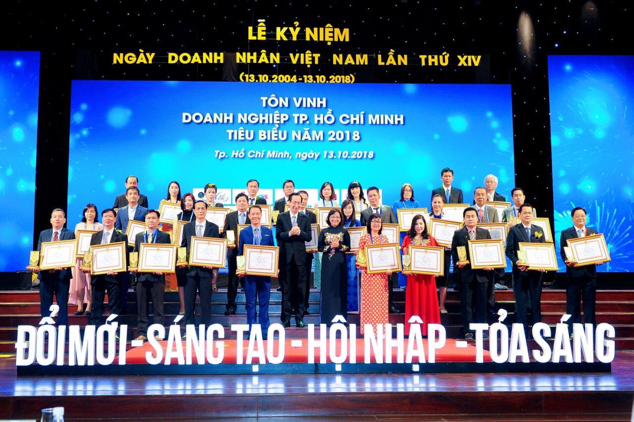 Lễ trao tặng danh hiệu Doanh Nghiệp tiêu biểu TPHCM 2018
